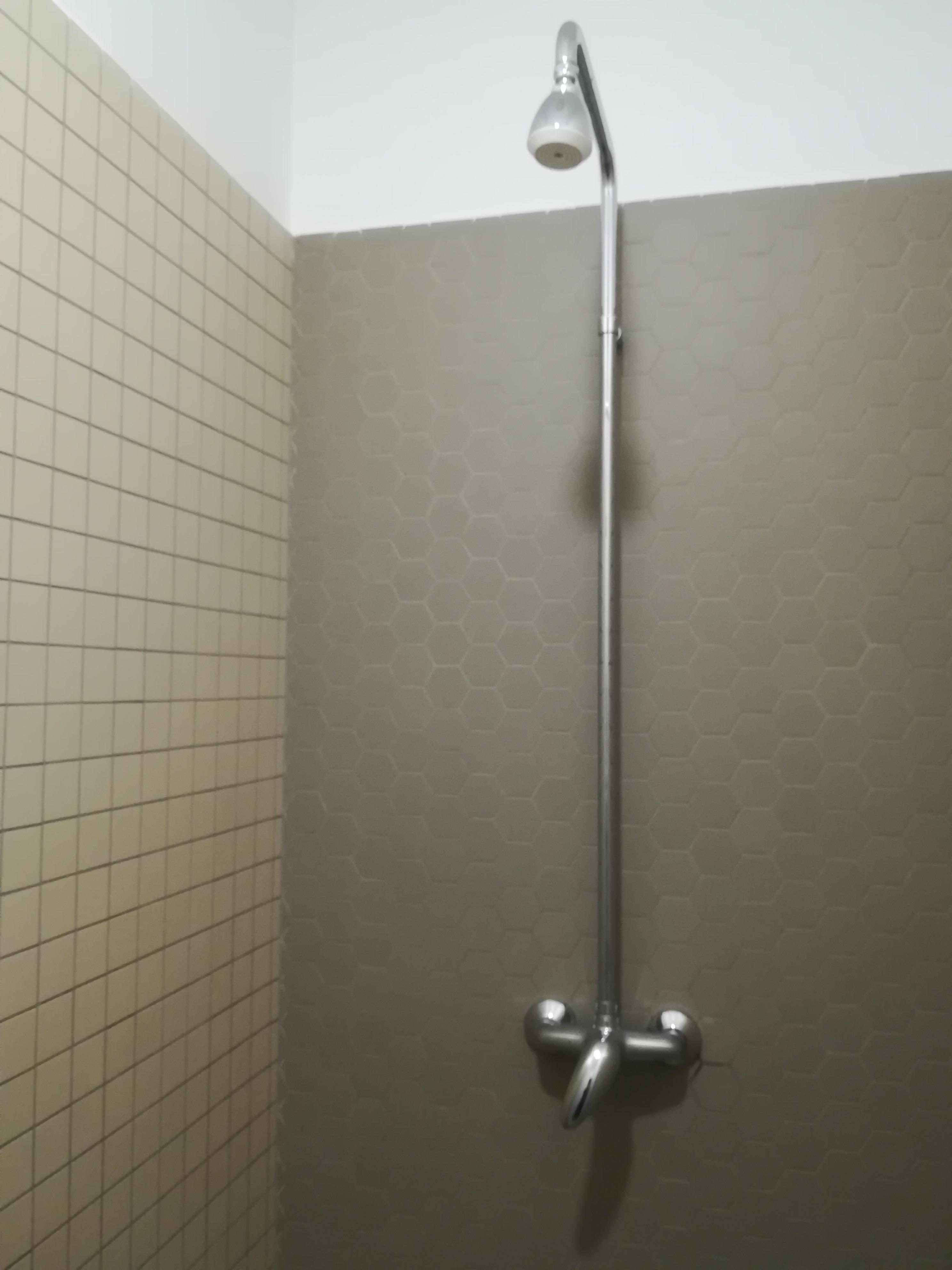 Sprcha v šatně mužů