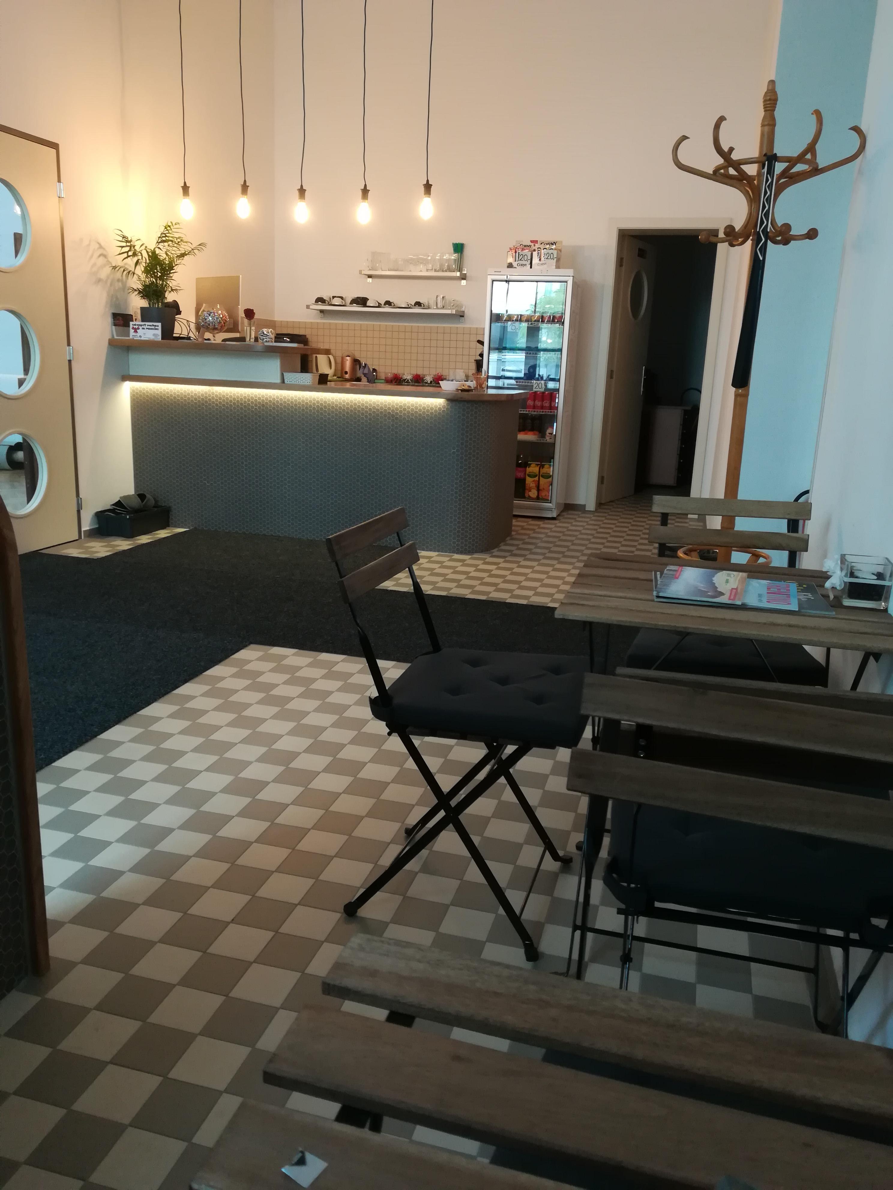 Kavárnička před recepcí